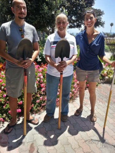 Community garden, Cardiff California, Caprentier Parkway, Linda Lee horticulturist, Leah Oviedo author
